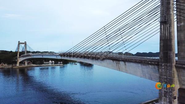 「海报全球旅拍师」之帕劳KB大桥